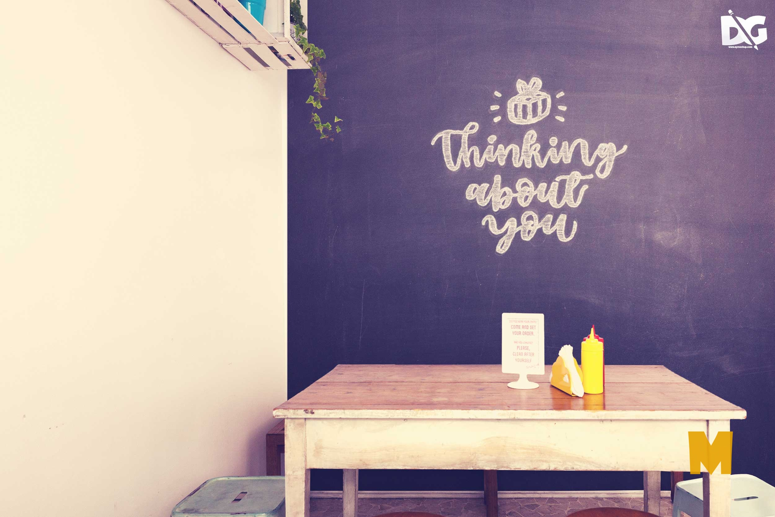Free Mock-up Room Chalkboard PSD