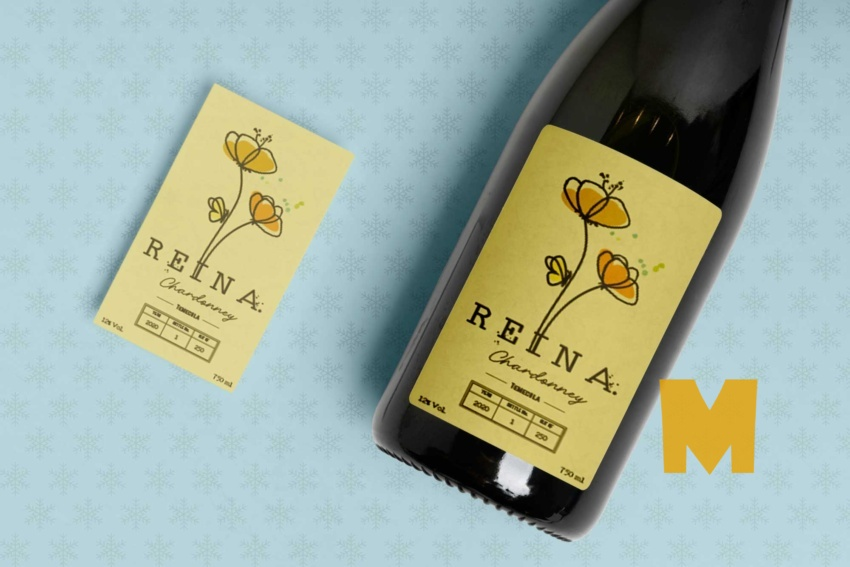 Free Alcohol Wine Bottle Label Mockup